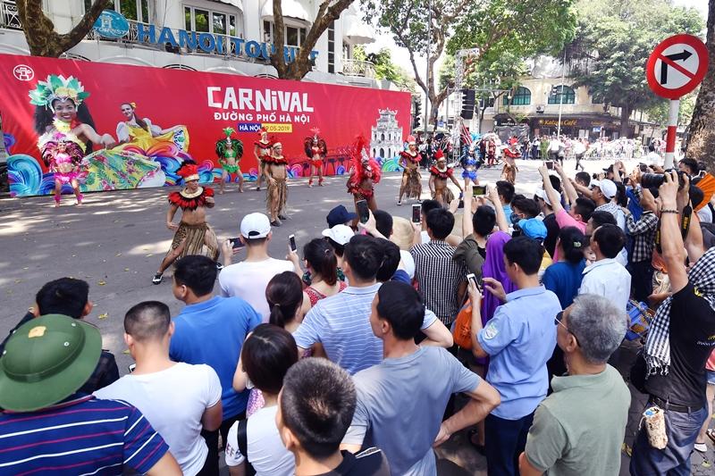 Cuối tuần này, Hà Nội lại tưng bừng với Carnival đường phố quanh Hồ Gươm