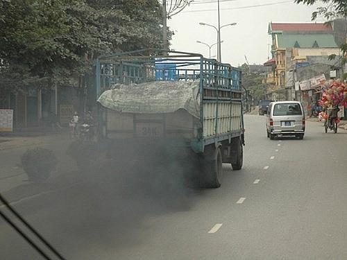 Sẽ kiểm tra đột xuất khí thải xe buýt và xe khách