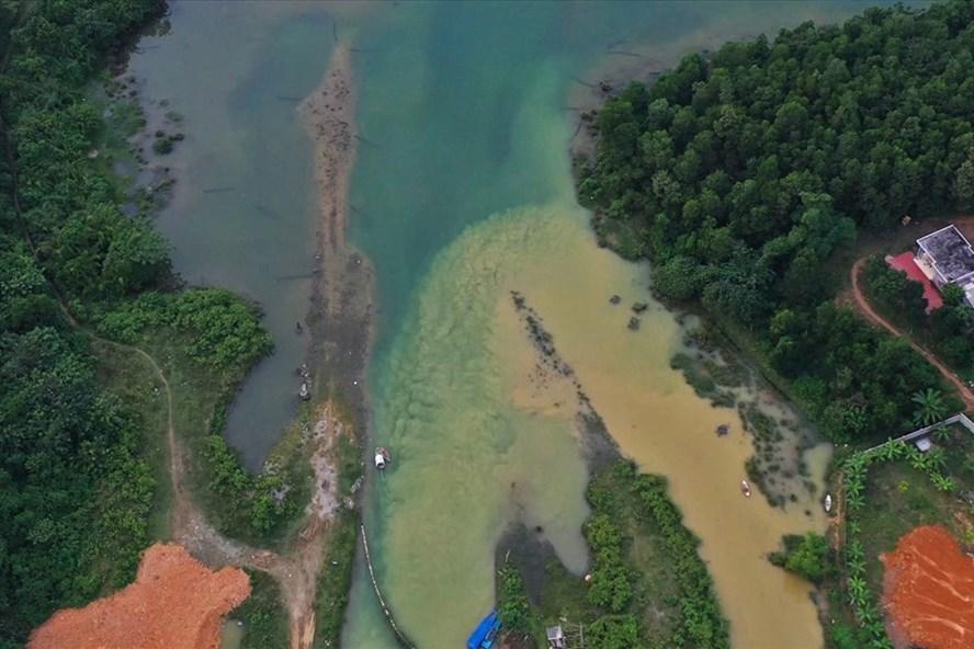 Trách nhiệm của cơ quan chức năng nhìn từ vụ việc nước bẩn sông Đà