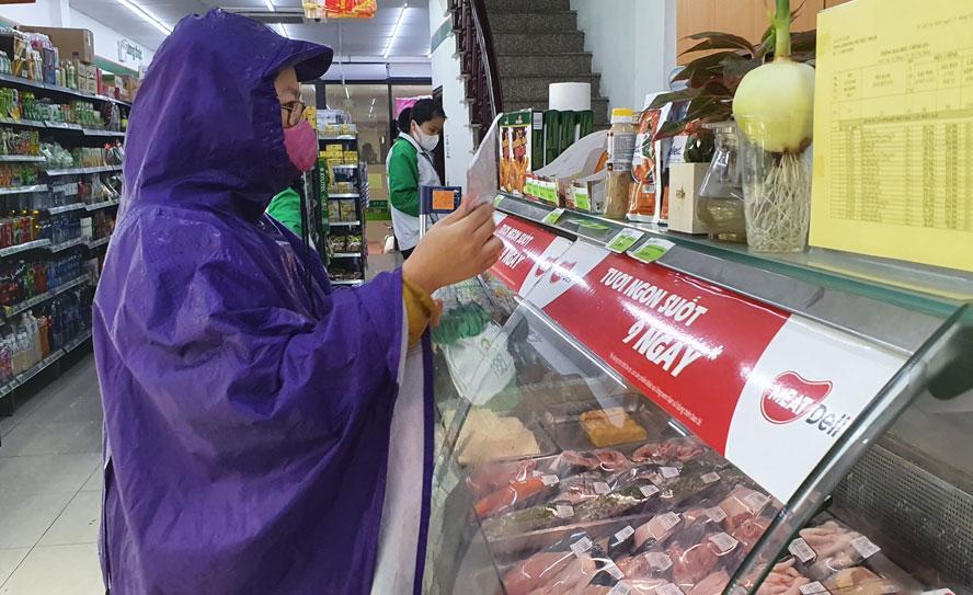 Hà Nội: Không có chuyện xử phạt người dân ra đường mua lương thực, thực phẩm