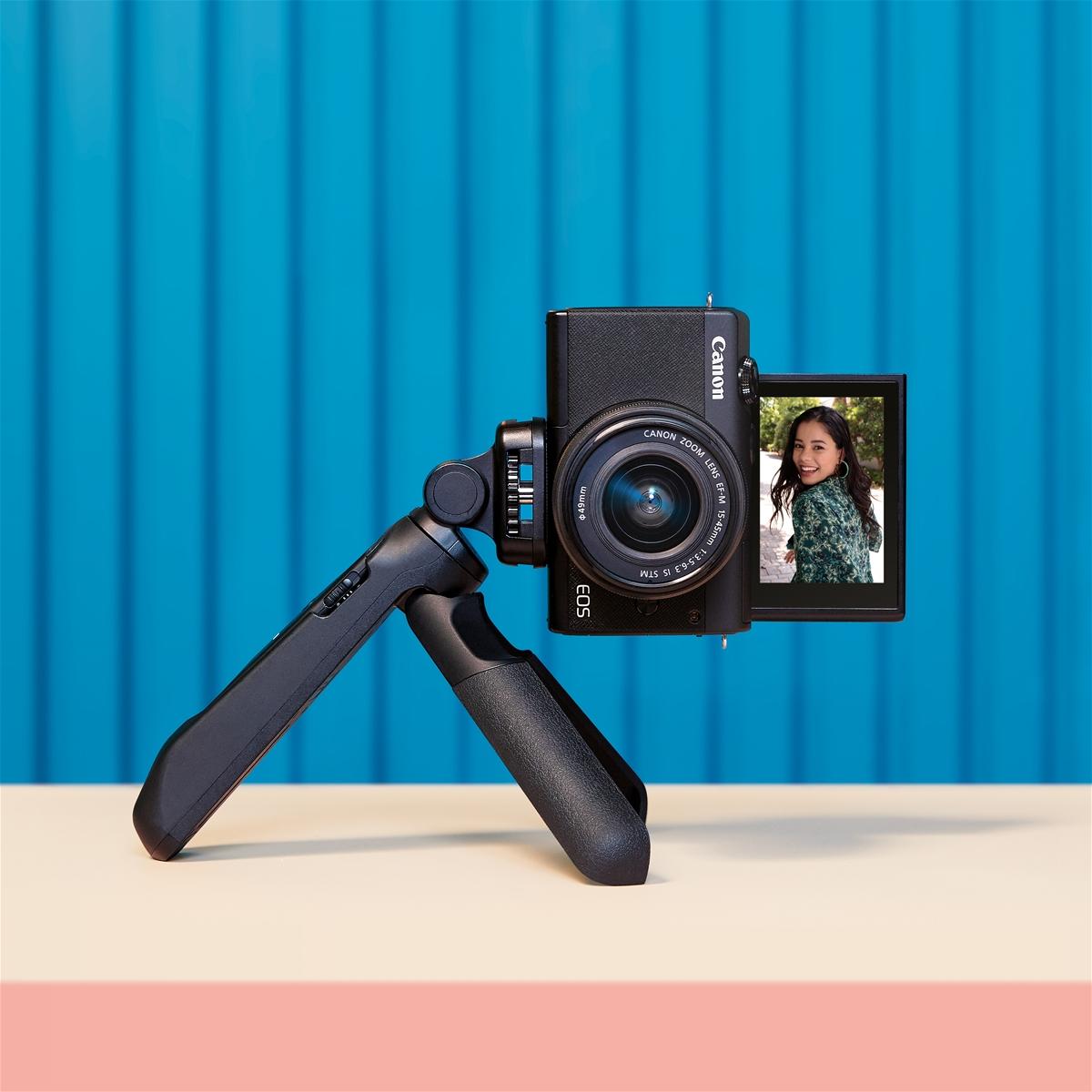 Máy ảnh không gương lật Canon M200 ra mắt