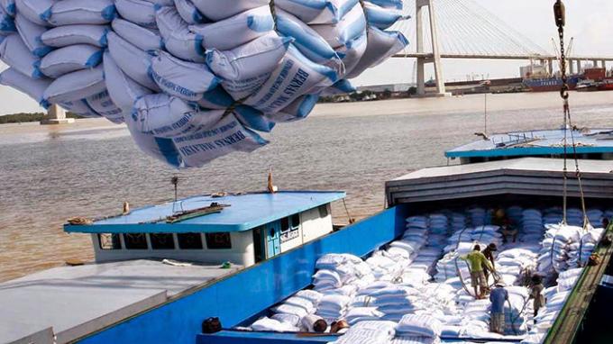 Hủy tờ khai hải quan 53.321 tấn gạo xuất khẩu