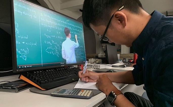 Hà Nội: Không được thu bất kỳ khoản tiền nào khi học Online