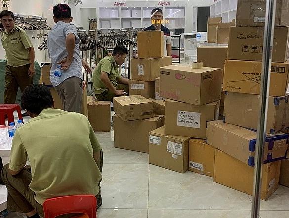 Đồng Nai: Thu giữ gần 7.000 sản phẩm quần áo, túi xách không rõ nguồn gốc