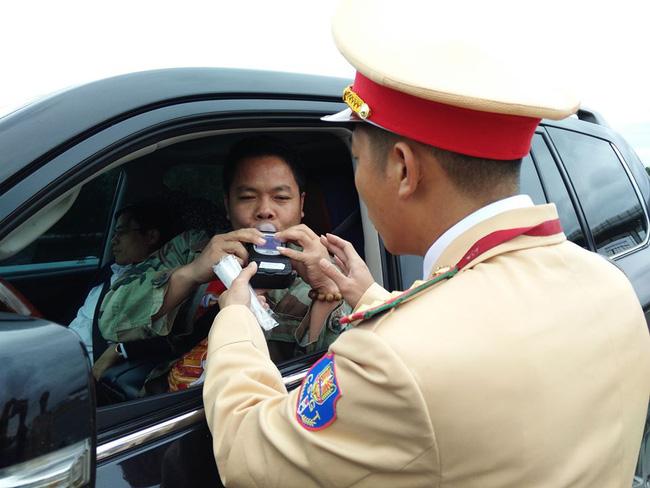 7 ngày Tết xử phạt hơn 3.100 tài xế vi phạm nồng độ cồn