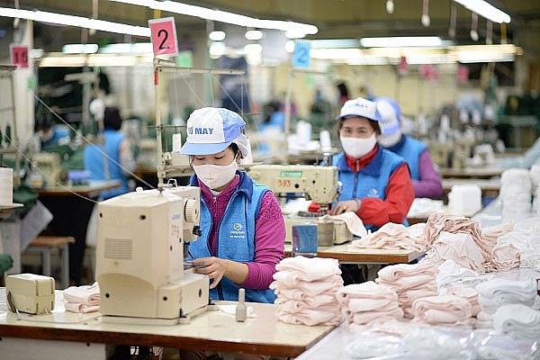 TPHCM nỗ lực sản xuất hơn 2,5 triệu khẩu trang/ngày
