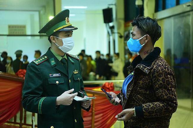 Từ 7h sáng 9/3 du khách là người Việt Nam ra đảo Lý Sơn đều phải khai báo y tế