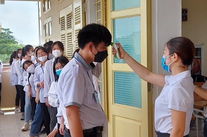 Học sinh THCS, THPT của Hà Nội đi học trở lại từ ngày 4/5