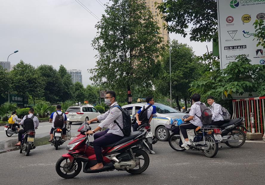 Xử lý học sinh điều khiển xe máy khi chưa đủ tuổi: Ngăn chặn vi phạm ngay từ gốc
