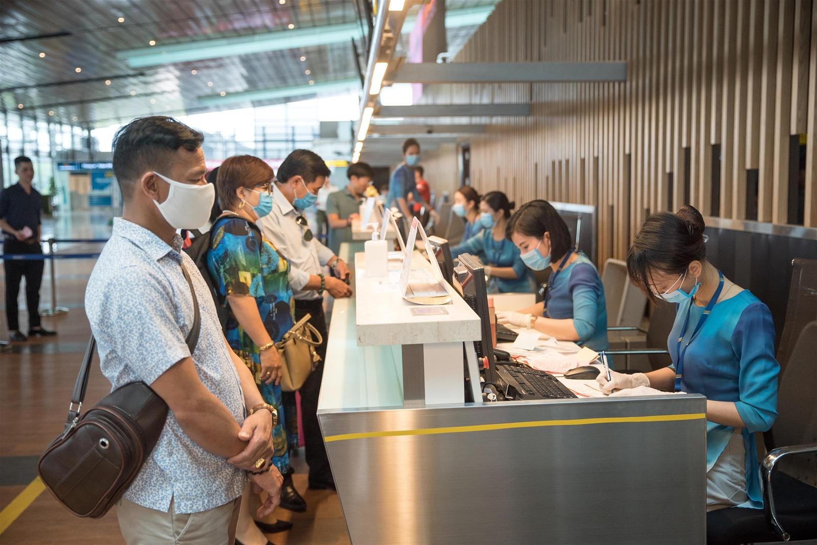 Bay Vân Đồn – TP HCM giá chỉ từ 99.000 đồng/chặng
