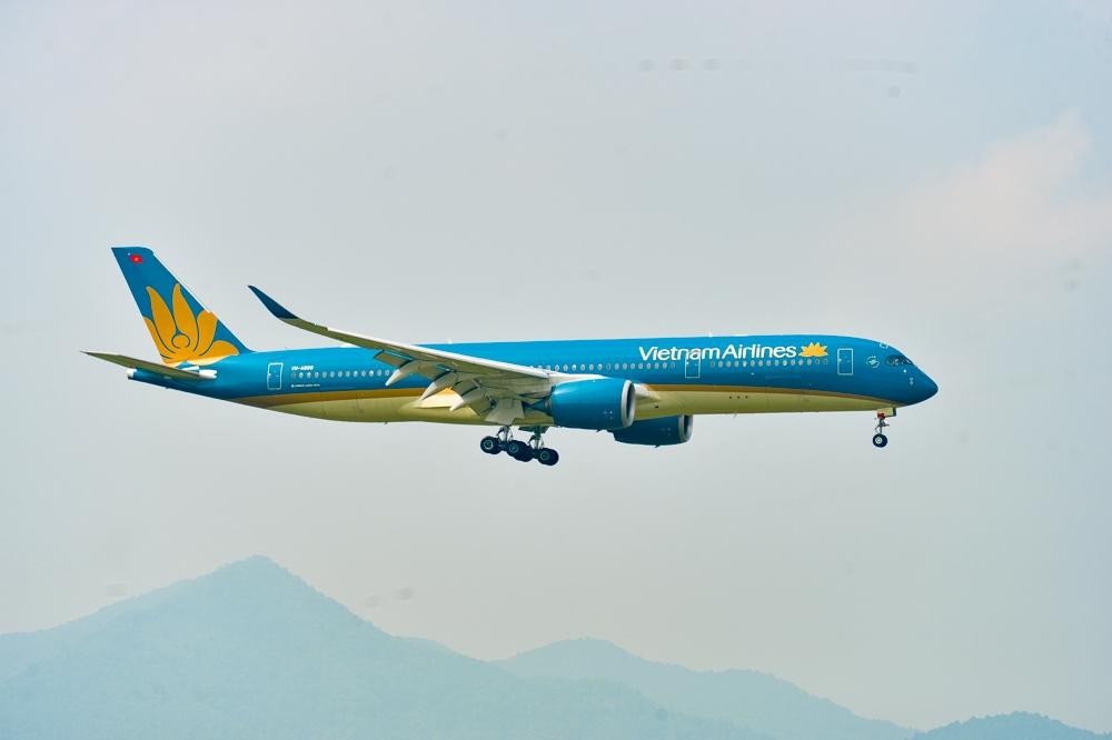 Chuyến bay nhân đạo đưa bệnh nhân Covid-19 từ Guinea Xích đạo đã về tới Việt Nam