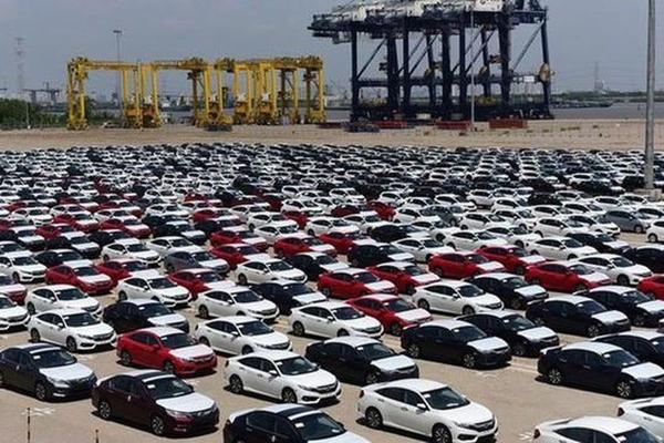 Ô tô nhập khẩu tăng mạnh trong nửa đầu tháng 8/2020