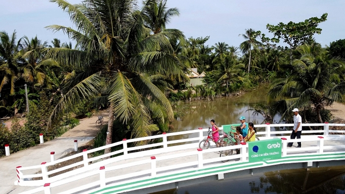 Grab và Quỹ Bảo trợ trẻ em Việt Nam khánh thành cầu Út Ốm