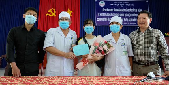 Thêm 3 bệnh nhân mắc Covid-19 khỏi bệnh được xuất viện