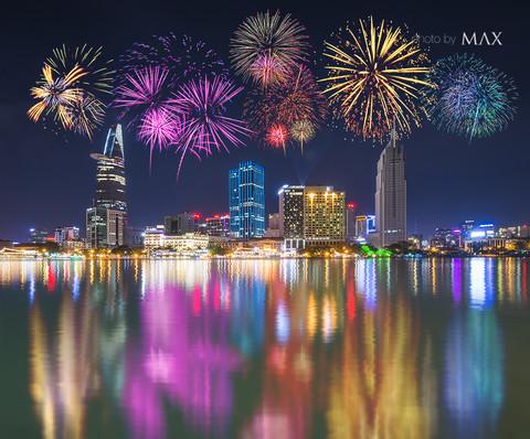 TP Hồ Chí Minh bắn pháo hoa tại 3 điểm chào đón năm mới 2020