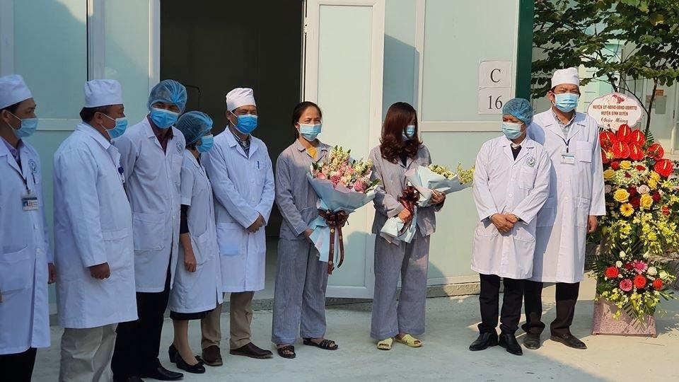 """Bệnh nhân nhiễm Covid-19 nói """"xin lỗi"""" khi xuất viện"""