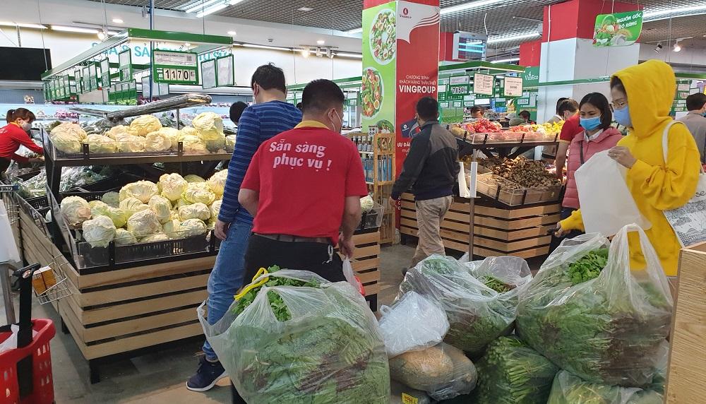Hà Nội đủ hàng hóa thiết yếu, người dân không phải lo lắng mua tích trữ
