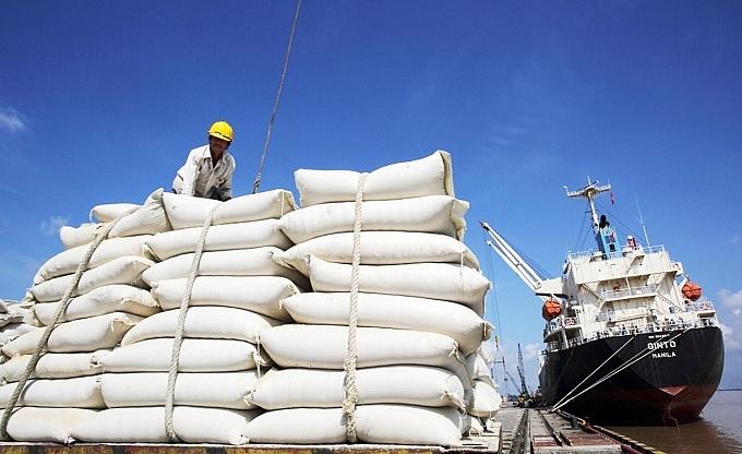 Giá gạo 'lên đỉnh' sau 9 năm, Philippines mua hơn 1/3 gạo Việt Nam sản xuất được