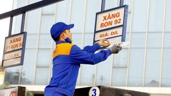 Xăng, dầu đồng loạt tăng giá trong ngày cuối cùng của năm 2019