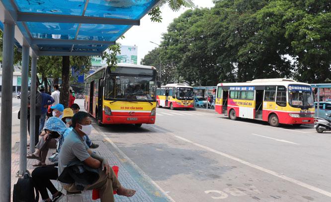 Quyết liệt phòng, chống dịch Covid-19 trên các phương tiện giao thông công cộng