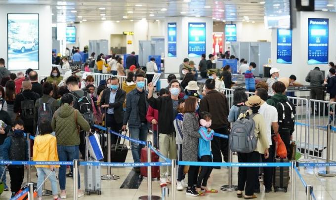 Ngăn chặn dịch bệnh Covid-19 tái bùng phát qua các Cảng hàng không