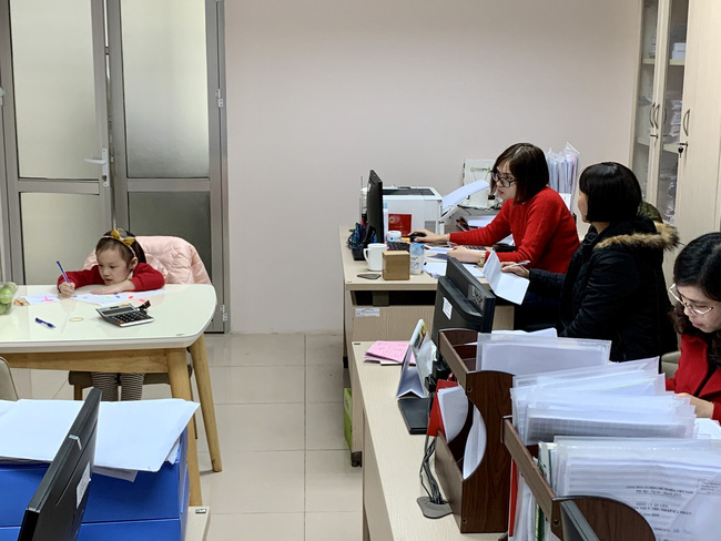 Học sinh nghỉ học 1 tuần do dịch nCoV: Phụ huynh cuống cuồng tìm nơi gửi con