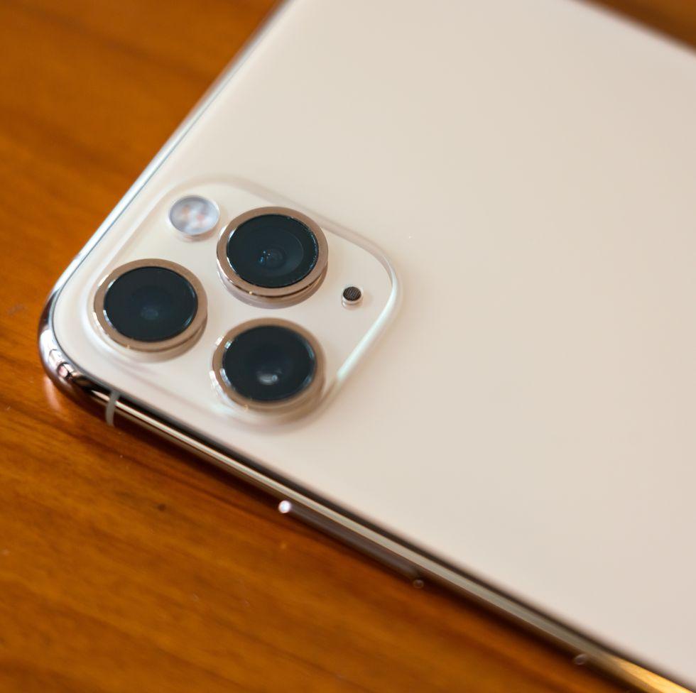 iPhone 11 Pro có mức phóng xạ cao gấp hai lần ngưỡng an toàn