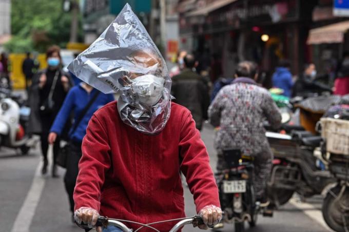 Giữa tâm bão Covid-19, thế giới 'gồng mình' chống rác thải nhựa