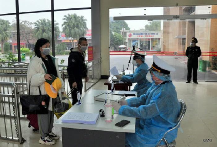 Việt Nam áp dụng tờ khai y tế bắt buộc với tất cả người nhập cảnh từ Hàn Quốc