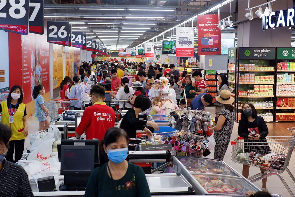 Người dân Hà Nội không cần đổ xô đi mua tích trữ lương thực, thực phẩm