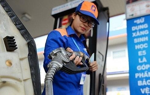 Từ 15g ngày 31-8, xăng dầu đồng loạt giảm giá