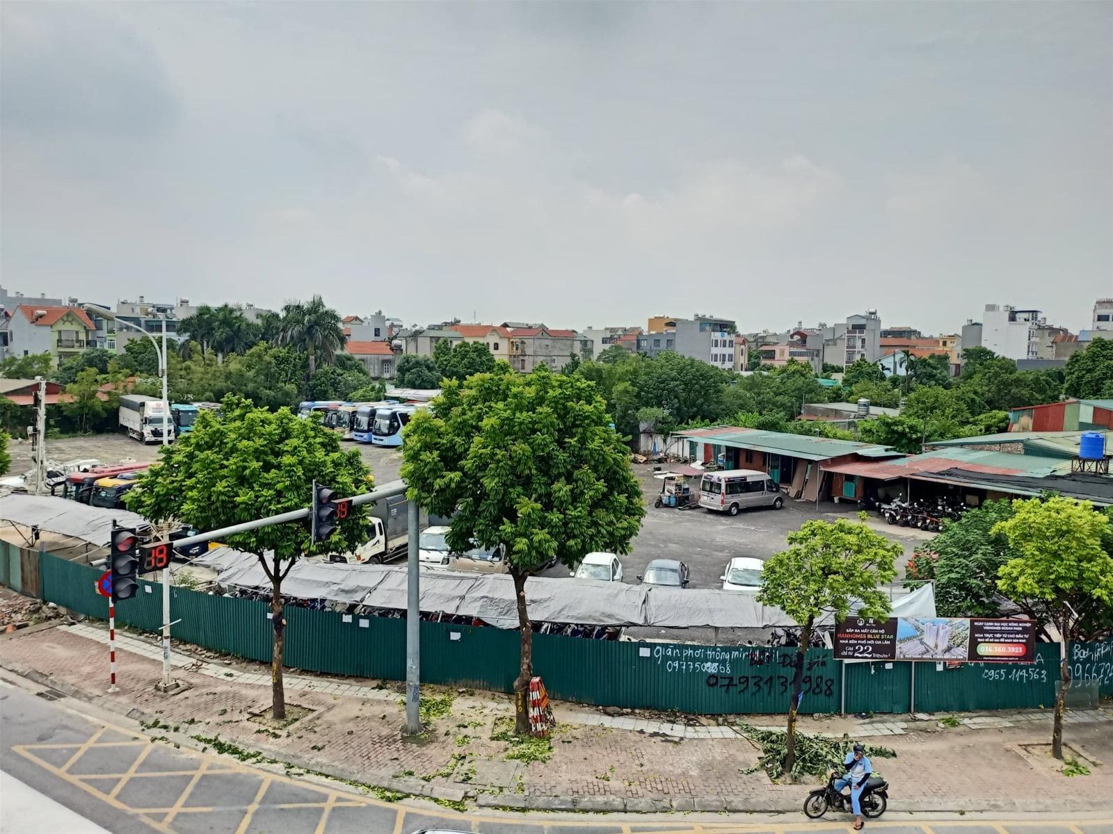 Dự án thành bãi xe và câu hỏi về năng lực quản lý của lãnh đạo quận Long Biên