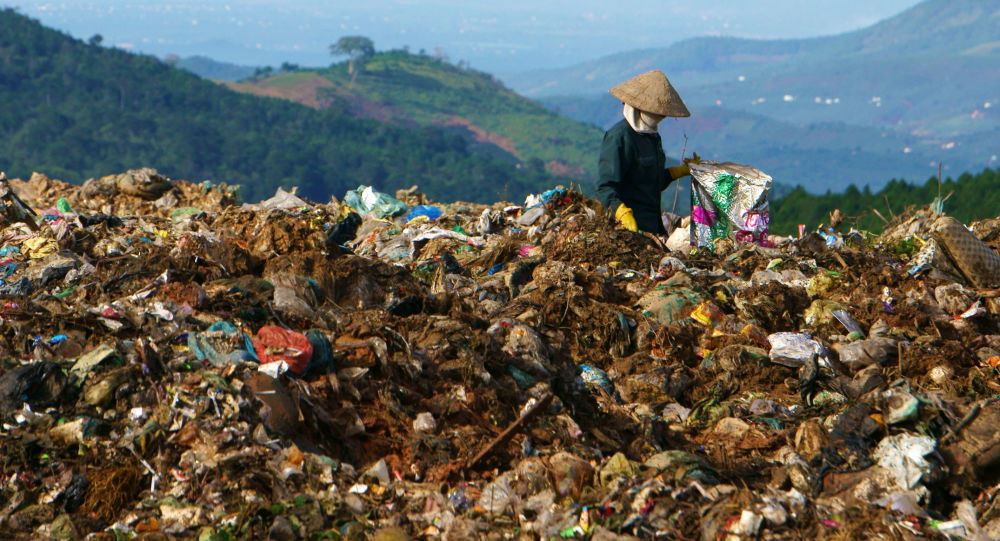 Xử lý rác thải bất cập có thể lan truyền vi khuẩn