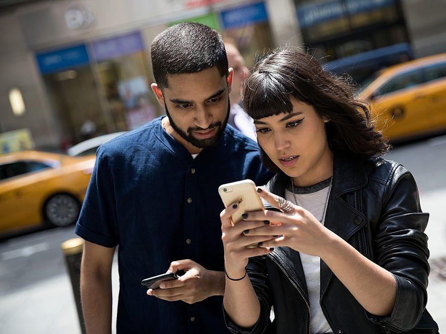 Tai nạn tăng vọt từ khi iPhone xuất hiện