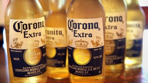 Bia Corona bị ngừng sản xuất vì dịch Covid-19