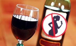 Quán nhậu phải treo biển: Uống rượu, bia có thể ảnh hưởng đến sức khỏe thai nhi