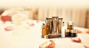 Tìm đến mỹ phẩm thiên nhiên cho làn da kém xinh