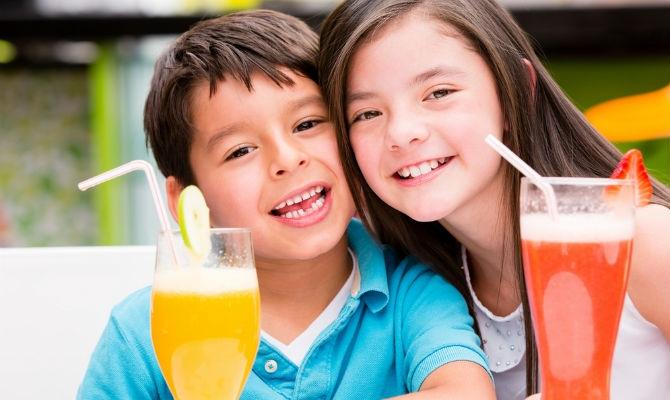 Khi nào cho bé uống nước trái cây là hợp lý nhất?