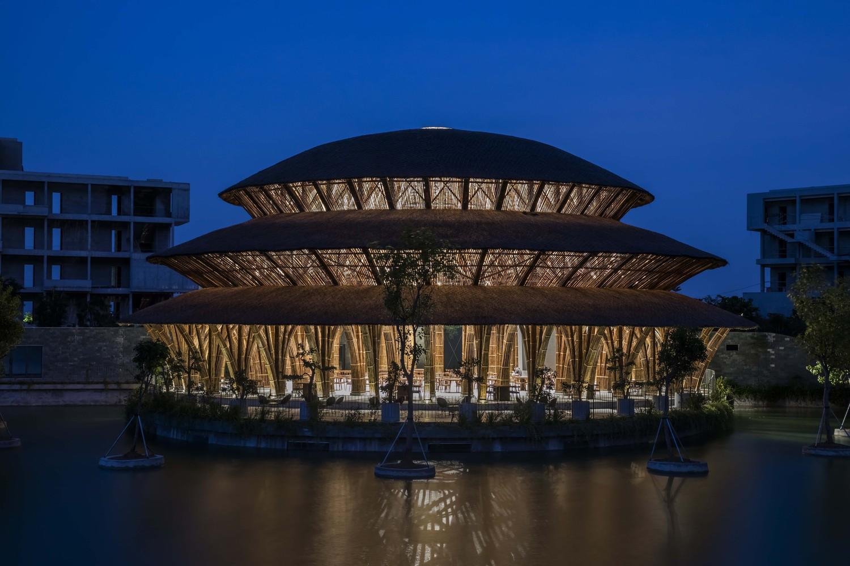 Nhà hàng tre đặc biệt của Việt Nam nổi bật trên tạp chí kiến trúc tây