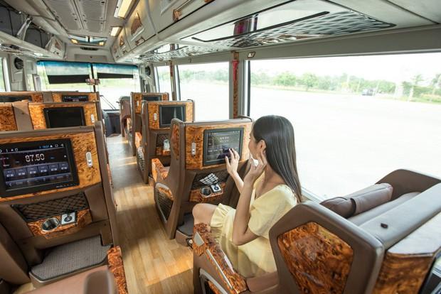 GrabBus chính thức được triển khai thử nghiệm ở Sài Gòn