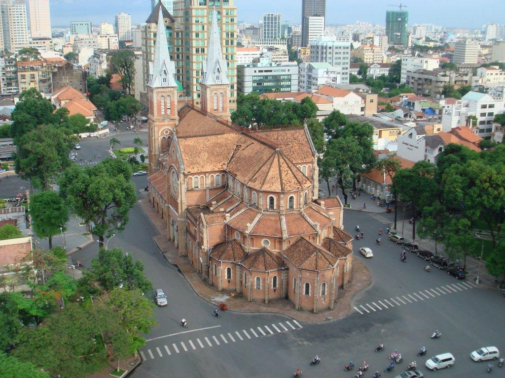 Thăm quan 10 nhà thờ đẹp nhất Việt Nam