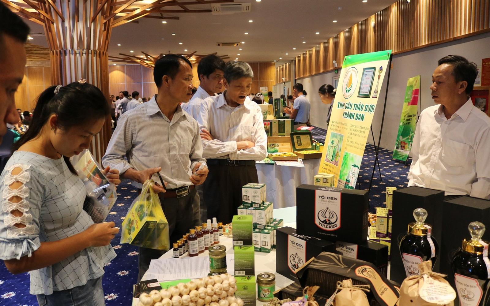 Tăng cường kết nối thị trường sản phẩm vùng miền và tiêu thụ nông sản an toàn