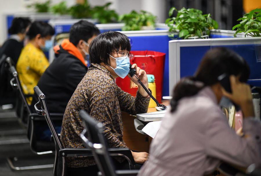 Dịch vụ hỗ trợ tâm lý mở khắp Trung Quốc trong cuộc chiến chống dịch Covid-19