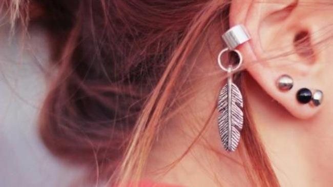 Ý nghĩa đeo khuyên tai một bên và ai không được đeo khuyên tai?