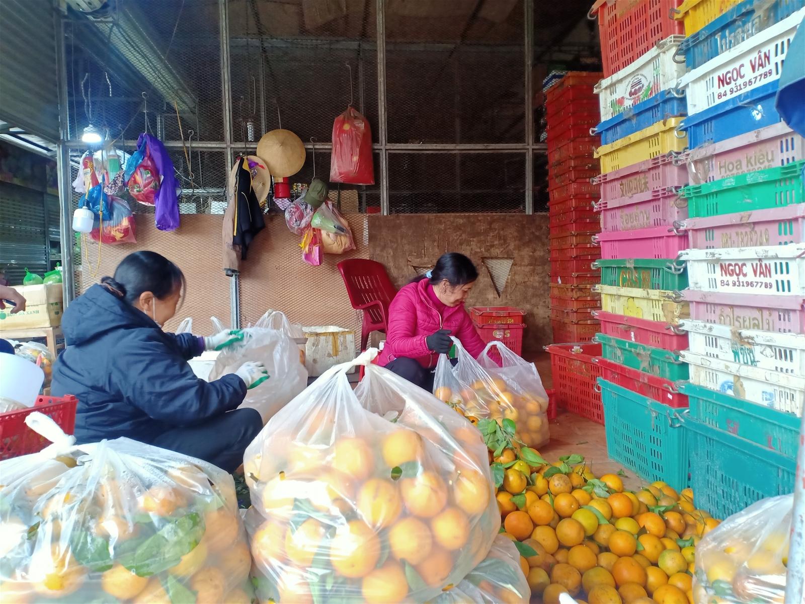 Hơn 600 tiểu thương chợ Đông Hương bất an trước thông tin quy hoạch chợ mới