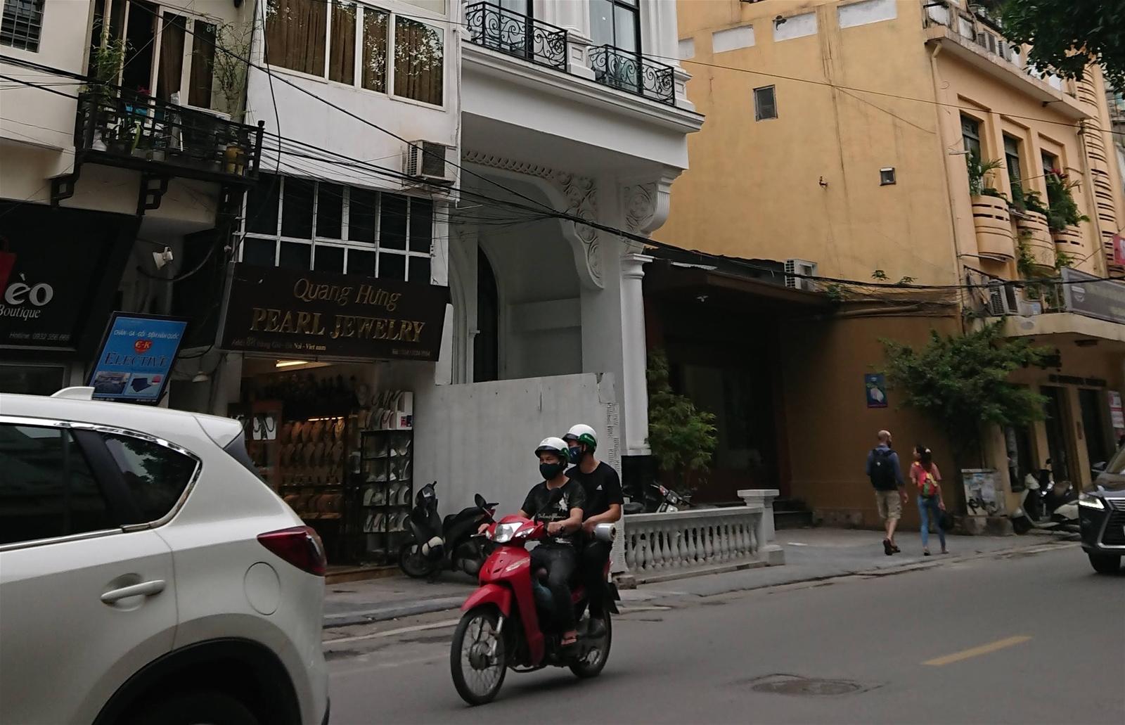 Phường Hàng Gai: Phá vỡ quy hoạch trung tâm Thủ đô, trách nhiệm thuộc về ai?