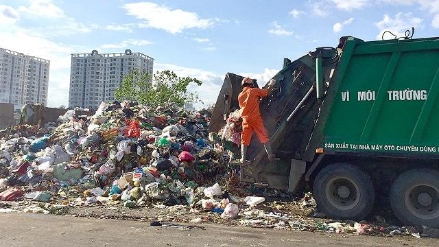 Thu phí rác thải theo khối lượng ở chung cư: Liệu có khả thi?