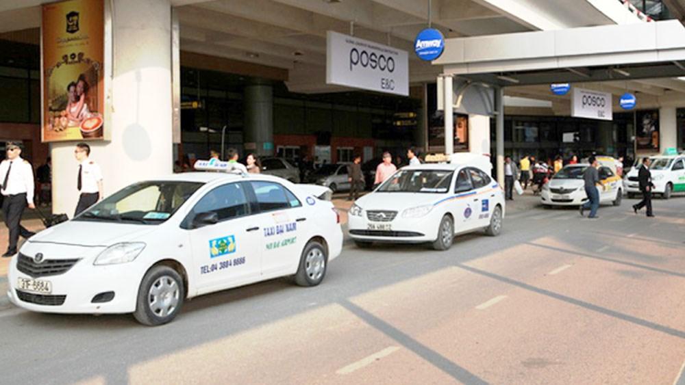 Hà Nội yêu cầu dừng hoạt động taxi đón khách tại sân bay Nội Bài