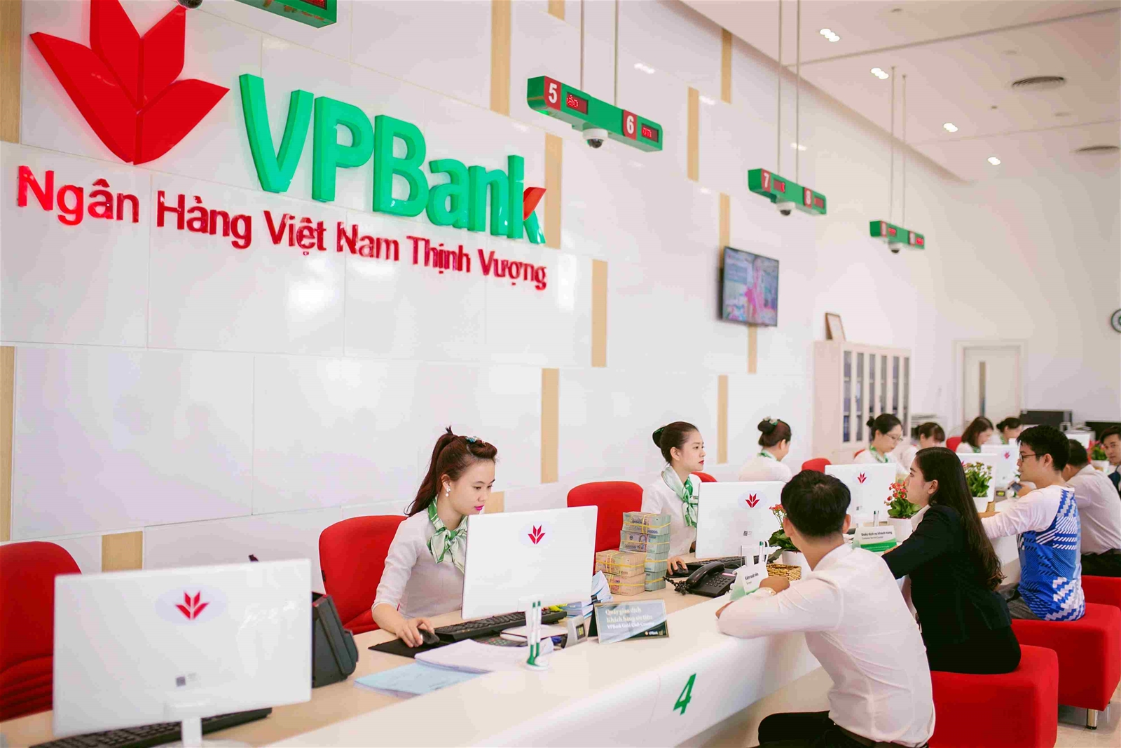 NH đầu tiên cung cấp nền tảng thanh toán số cho ứng dụng hỗ trợ mua vé Vietlott