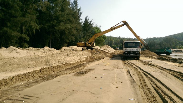 """Bản tin BĐS 24h: Điểm mặt hàng loạt dự án """"khủng"""" chậm nộp tiền sử dụng đất"""